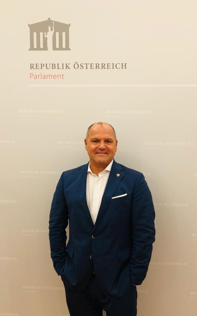 SPÖ-Energiesprecher Schroll: Dramatischer Verzug bei Energiegesetzen schiebt Milliardeninvestitionen auf die lange Bank