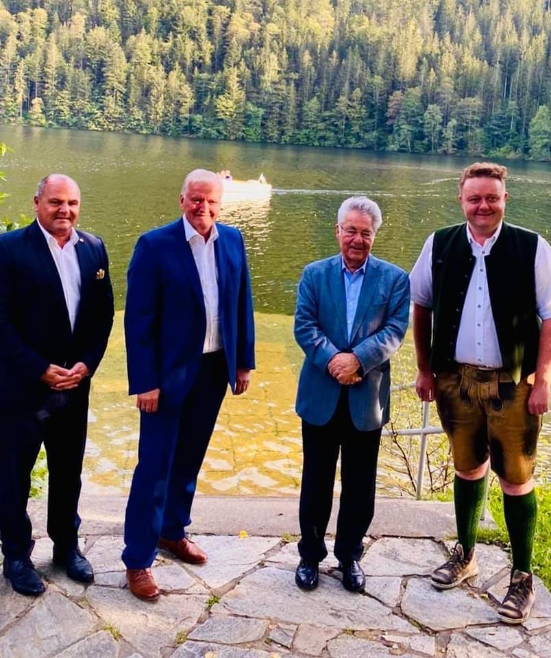 Gemeinsam mit Herrn BP a.D. Dr. Heinz Fischer und LHStv. Franz Schnabl auf der Bühne